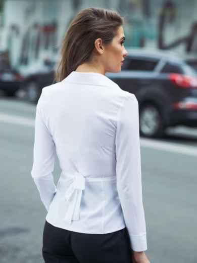 Блузка на запах с вшитым поясом белая - 13258, фото 2 – интернет-магазин Dressa