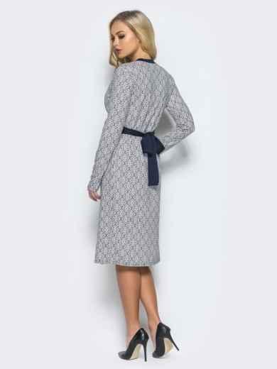 Платье с запахом и контрастным кантом по горловине светло-серое - 16241, фото 3 – интернет-магазин Dressa
