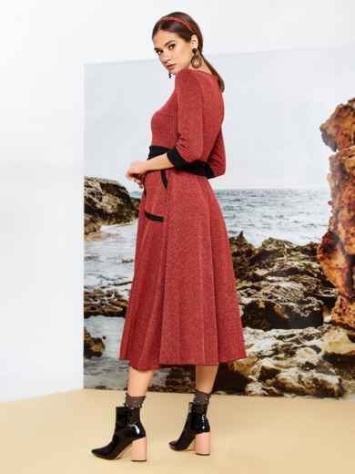 Приталенное платье красного цвета с контрастными вставками - 42085, фото 2 – интернет-магазин Dressa