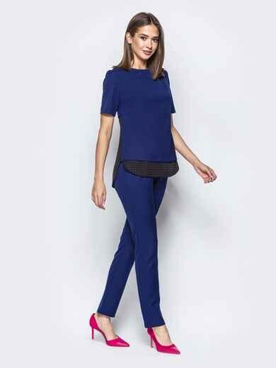 Брючный комплект с контрастными вставками на блузке синий - 21535, фото 1 – интернет-магазин Dressa