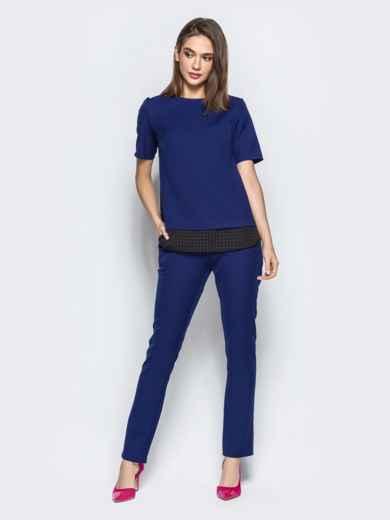 Брючный комплект с контрастными вставками на блузке синий - 21535, фото 3 – интернет-магазин Dressa