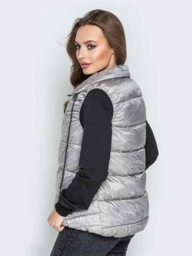 Серый жилет с вобъёмным воротником и удлиненной спинкой - 20312, фото 2 – интернет-магазин Dressa