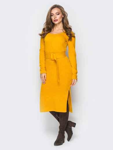 Желтое трикотажное платье-гольф с разрезами по бокам - 18349, фото 1 – интернет-магазин Dressa