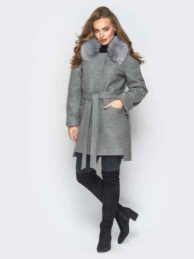 Зимнее пальто с удлиненной спинкой и мехом серое - 18316, фото 1 – интернет-магазин Dressa