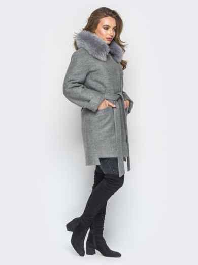 Зимнее пальто с удлиненной спинкой и мехом серое - 18316, фото 2 – интернет-магазин Dressa