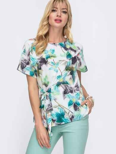 Блузка с цветочным принтом и вшитым поясом сбоку белая 49113, фото 1