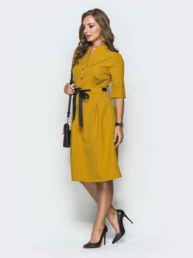 Горчичное платье на кнопках с атласным поясом 39879, фото 2