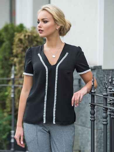 Черная блузка с v-образным вырезом и контрастной отделкой - 14297, фото 2 – интернет-магазин Dressa