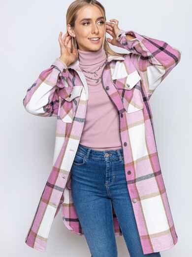 Удлиненная рубашка в клетку с накладными карманами пудровая 51615, фото 1
