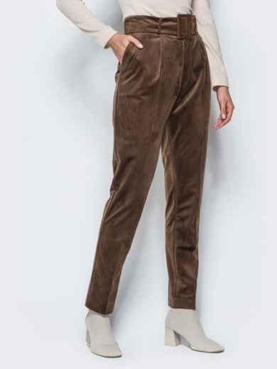 Зауженные велюровые брюки коричневого цвета - 17243, фото 2 – интернет-магазин Dressa