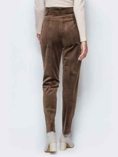 Зауженные велюровые брюки коричневого цвета - 17243, фото 3 – интернет-магазин Dressa