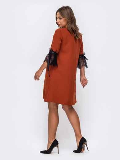 Платье-трапеция терракотового цвета с кружевом на рукавах 50236, фото 2