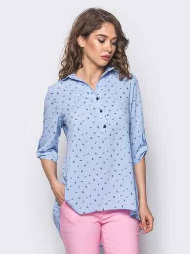 Голубая блузка в принт с удлинением по спинке - 10260, фото 1 – интернет-магазин Dressa