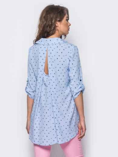 Голубая блузка в принт с удлинением по спинке - 10260, фото 3 – интернет-магазин Dressa