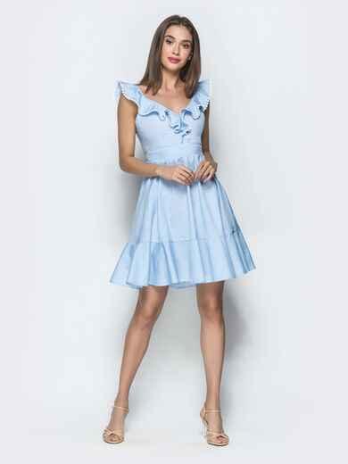 Голубое платье с расклешенной юбкой и рюшами по вырезу 39386, фото 1