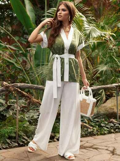 Белый брючный костюм с блузкой цвета хаки в горох 53457, фото 1