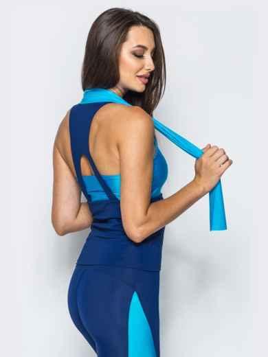 Майка сине-голубого цвета с фигурным вырезом на спинке - 17202, фото 2 – интернет-магазин Dressa