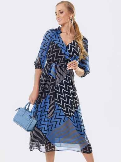 Шифоновое платье с принтом и запахом на груди синее 53446, фото 1