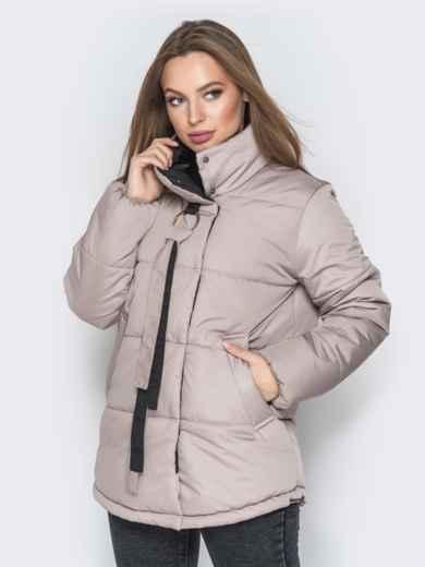 Бежевая куртка на кнопках и кольцом под горловиной - 20077, фото 2 – интернет-магазин Dressa