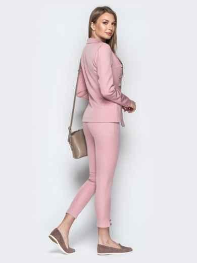 Серый костюм с пуговицами из жакета и брюк-дудочек - 20895, фото 4 – интернет-магазин Dressa