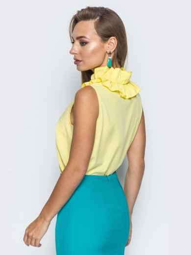 Желтая блузка с v-образным вырезом и оборкой на воротнике - 14312, фото 4 – интернет-магазин Dressa