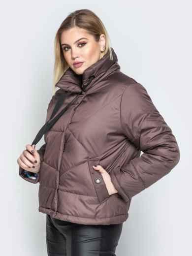 Коричневая куртка на кнопках с воротником-стойкой - 20065, фото 2 – интернет-магазин Dressa