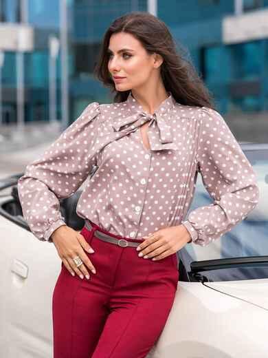 Пудровая блузка в горох с воротником-аскот - 39850, фото 1 – интернет-магазин Dressa