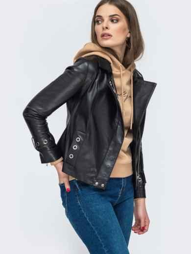 Чёрная косуха из эко-кожи с люверсами - 45414, фото 2 – интернет-магазин Dressa