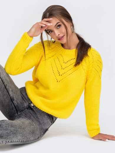 Вязаный свитер желтого цвета с перфорацией 55154, фото 1