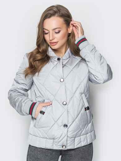 Стёганая куртка на кнопках с карманами серая - 20241, фото 1 – интернет-магазин Dressa