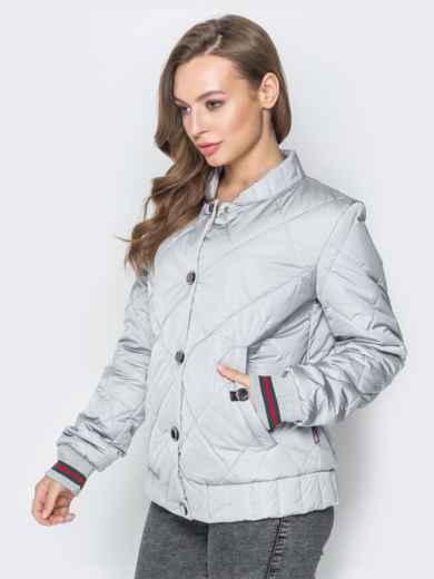 Стёганая куртка на кнопках с карманами серая - 20241, фото 2 – интернет-магазин Dressa