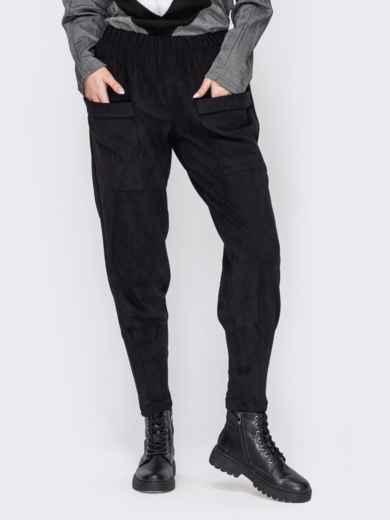 Зауженные брюки из замши с накладными карманами черные 53144, фото 1