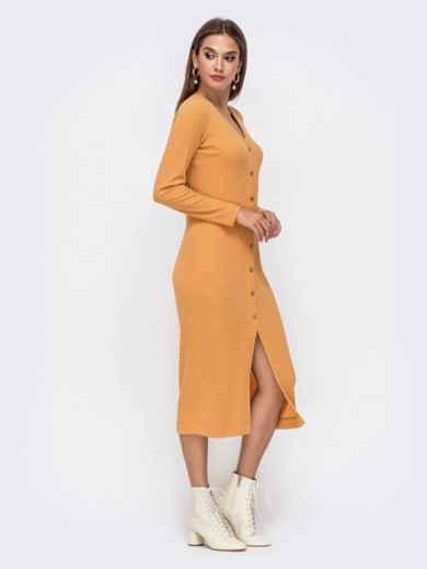 Обтягивающее платье из трикотажа с нитью люрекса горчичное 41741, фото 2
