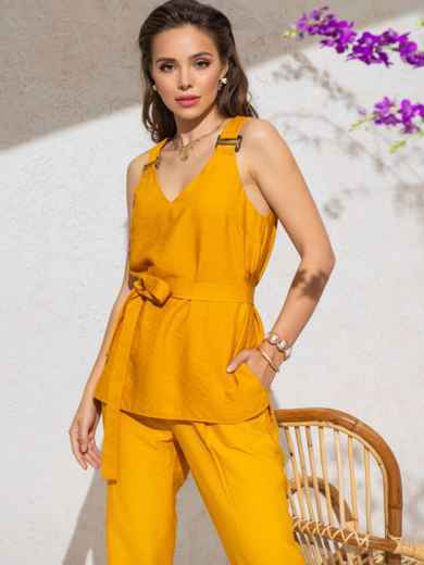 Блузка прямого кроя с V-вырезом и разрезами по бокам желтая - 49127, фото 3 – интернет-магазин Dressa
