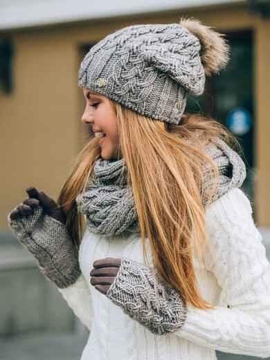 Тёмно-бежевый комплект с перчатками и помпоном на шапке - 14886, фото 1 – интернет-магазин Dressa