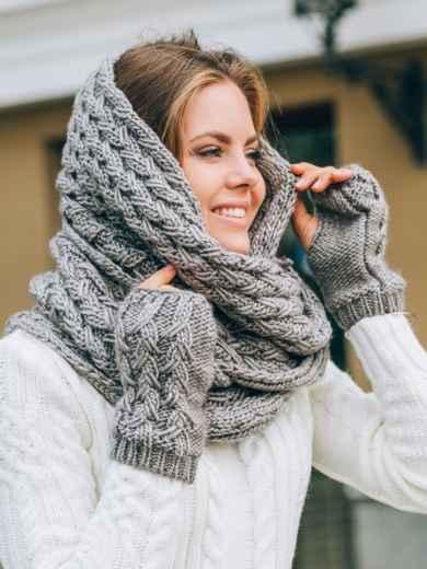 Тёмно-бежевый комплект с перчатками и помпоном на шапке - 14886, фото 2 – интернет-магазин Dressa