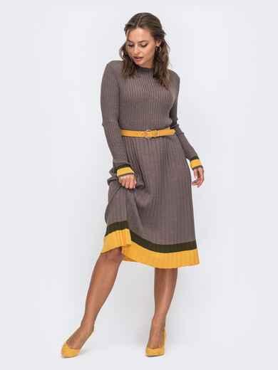 Коричневое вязаное платье в рубчик с плиссированной юбкой 50438, фото 1