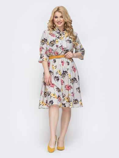 Серое платье батал с принтом и воротником-аскот 46272, фото 1