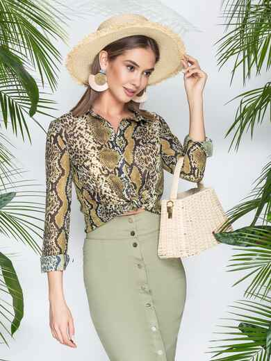 Рубашка с анималистичным принтом из шифона зеленая - 21961, фото 1 – интернет-магазин Dressa