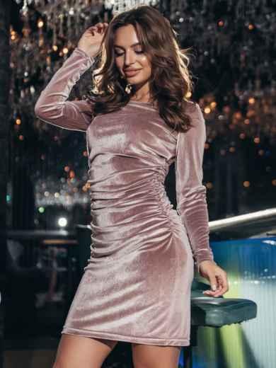 Пудровое платье с бархатным напылением и драпировкой по талии 42956, фото 2