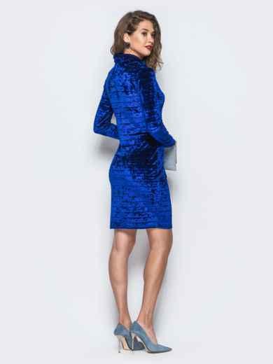 Велюровое платье синего цвета с воротником-хомут - 18045, фото 3 – интернет-магазин Dressa