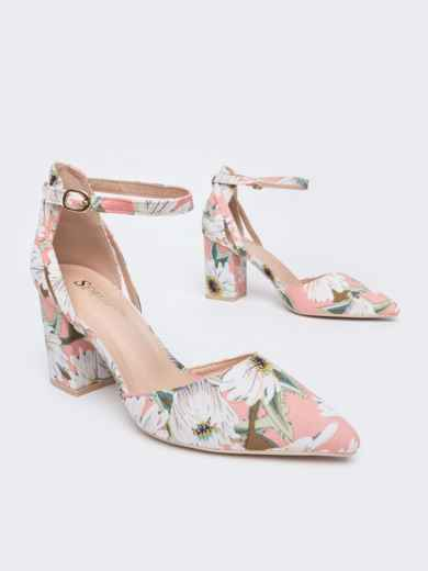 Босоножки с цветочным принтом на каблуке розовые - 47524, фото 2 – интернет-магазин Dressa