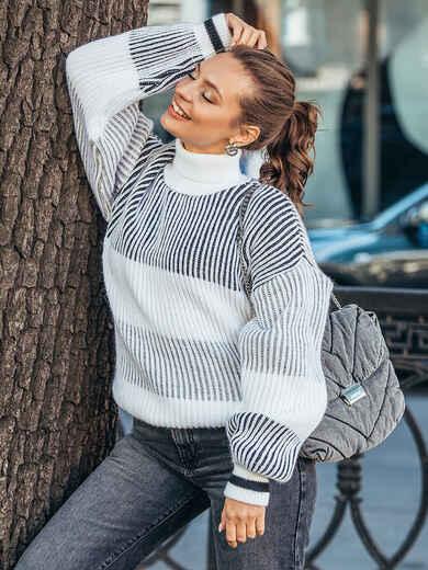 Молочный свитер с объёмным рукавом и высоким воротником 50716, фото 1