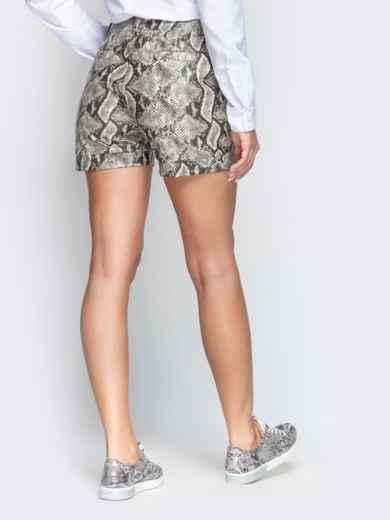 Серые шорты из кожзама со змеиным принтом - 21314, фото 3 – интернет-магазин Dressa