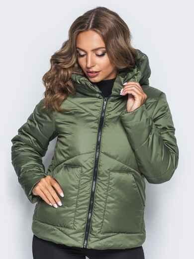 Стёганая куртка с капюшоном и объемными карманами зеленая 14701, фото 1