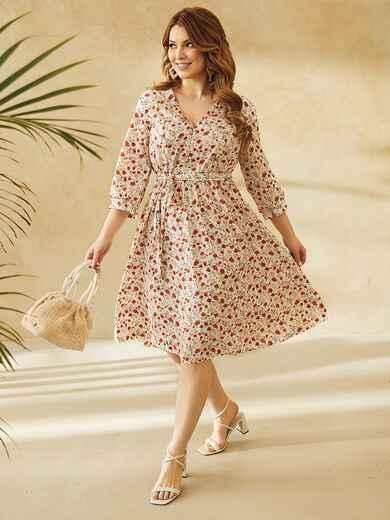 Платье батал с цветочным принтом и юбкой-клеш молочное 53803, фото 1