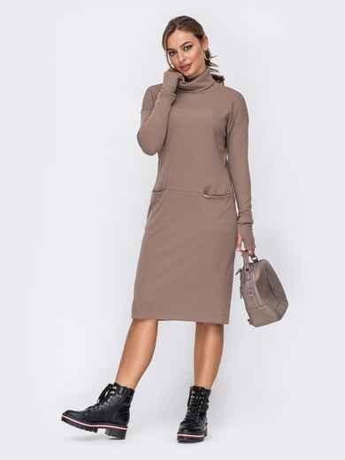 Приталенное платье с высоким воротником бежевое 51965, фото 1