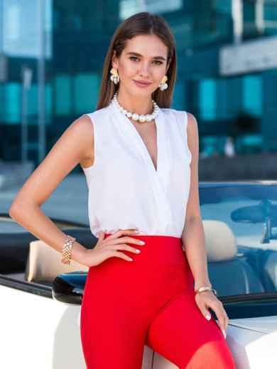 Блузка белого цвета с V-вырезом - 40074, фото 2 – интернет-магазин Dressa