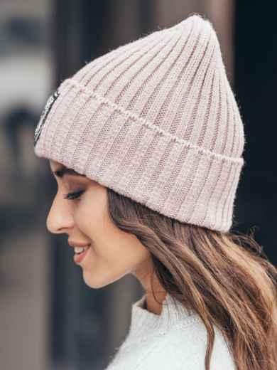 Розовая шапка с фурнитурой - 15604, фото 2 – интернет-магазин Dressa