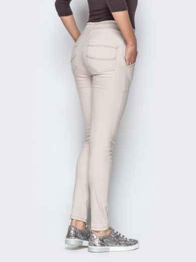 Бежевые брюки с резинкой по талии и прорезными карманами 21062, фото 4